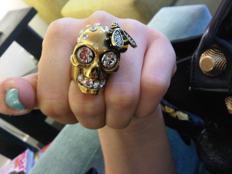 img03006 20110810 1337 Trending: Skulls