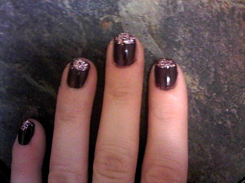 queens 20111115 00526 DIY: Glitter tip nails