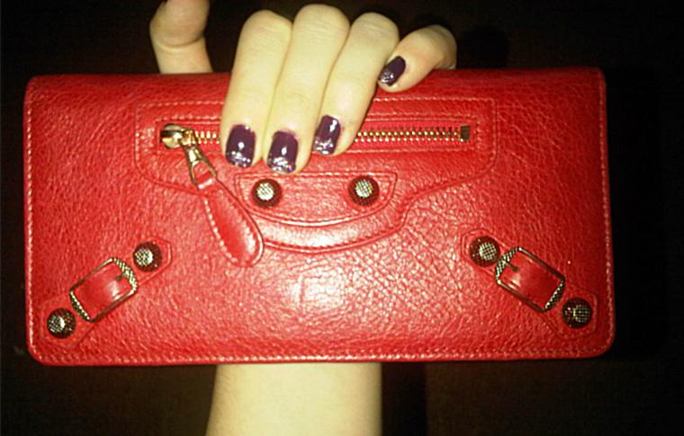 queens 20111116 00528 DIY: Glitter tip nails